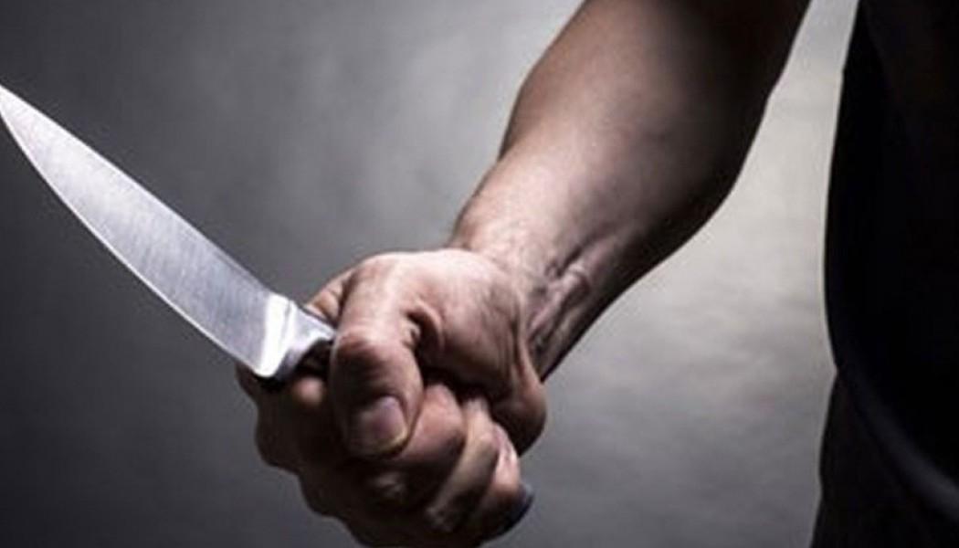 Τρίκαλα: 42χρονος μαχαίρωσε τη γυναίκα του μέσα στο αυτοκίνητο