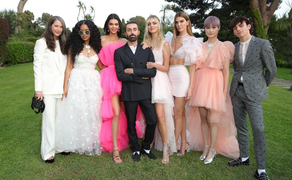 Giambattista Valli x H&M: Δες όλα τα ονειρικά φορέματα της πιο πολυαναμενόμενης συνεργασίας