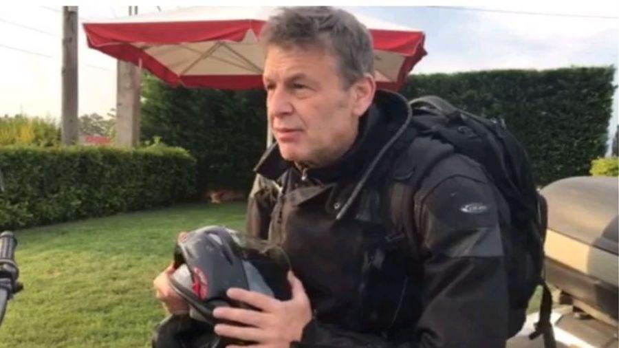 Ο μηχανόβιος Απόστολος Γκλέτσος στο βίντεο για την προεκλογική εκστρατεία του
