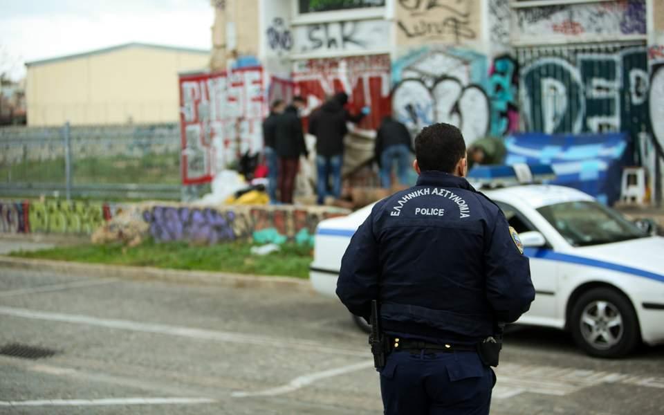 Τραγωδία στην Εύβοια: 67χρονος βρέθηκε νεκρός στην αυλή του σπιτιού του μετά από αρκετές ημέρες