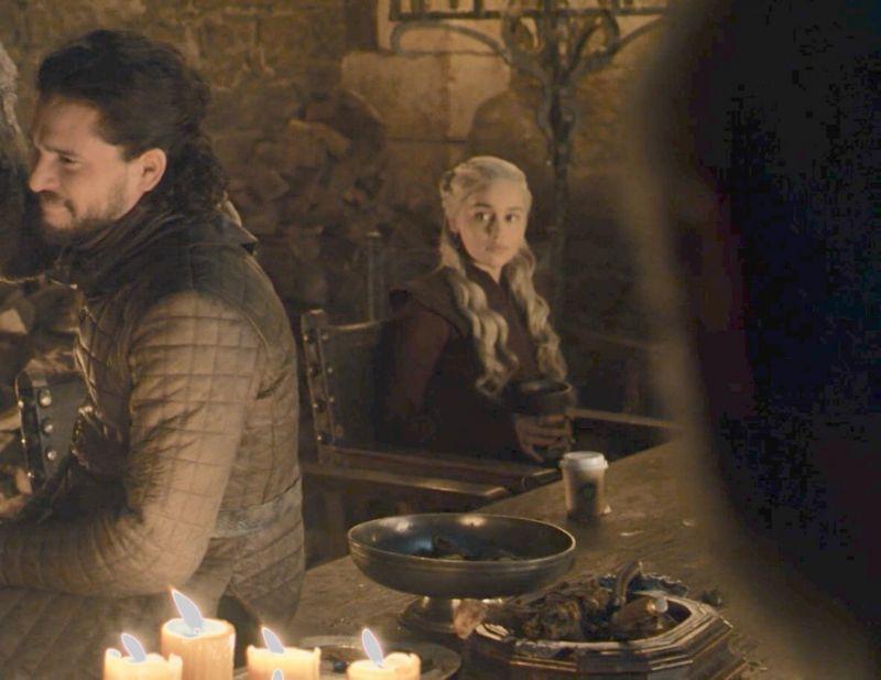 Καφές από τα Starbucks εμφανίζεται σε σκηνή από το Game of Thrones [φωτο]