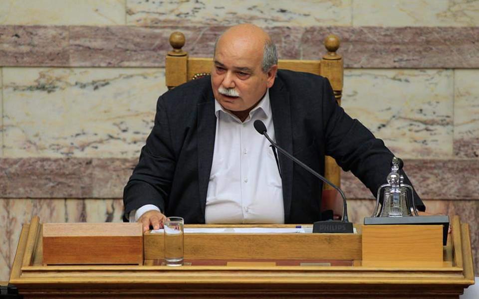 Βούτσης: Απαράδεκτη και αντιδημοκρατική η επίθεση στη Βουλή