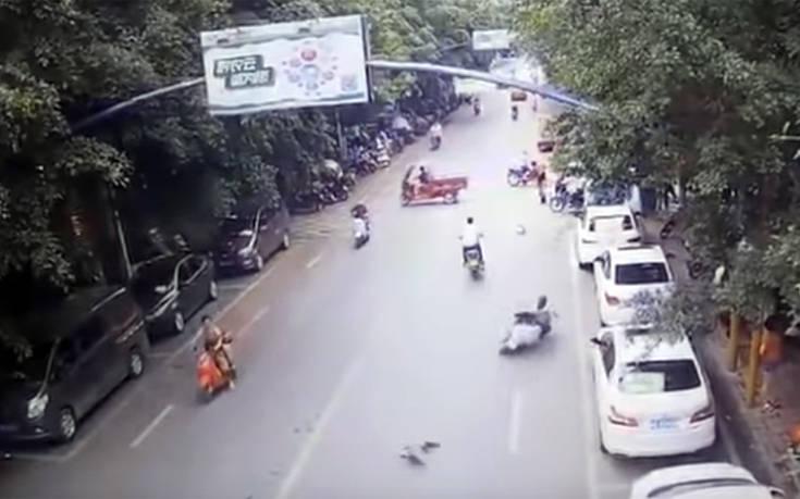 Χήνα – μοτοσικλετίστρια σημειώσατε… άσο