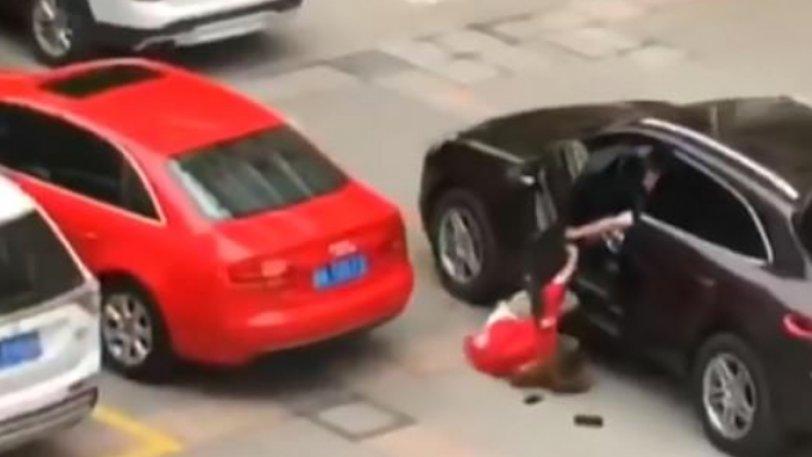 Δεν ήθελε να τα ξαναβρούν – Το αγόρι της την πέταξε από την Porsche του και την πάτησε (βίντεο)