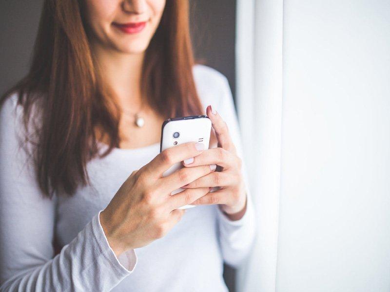 Γνωριμία μέσω κοινού γνωστού: Με αγνοεί – Να του στείλω ξανά;