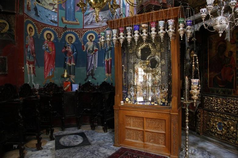 Έκλεψαν τα τάματα της «Παναγίας Πορταΐτισσας» από το Άγιο Όρος