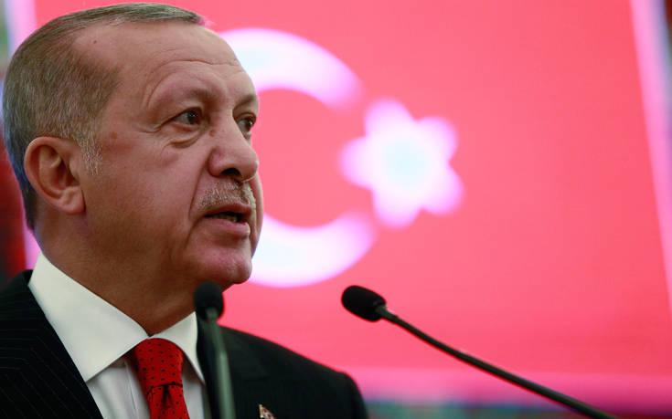 Οργή Ερντογάν για τον Μακρόν: Με ποιο δικαίωμα μιλά για την ανατολική Μεσόγειο;