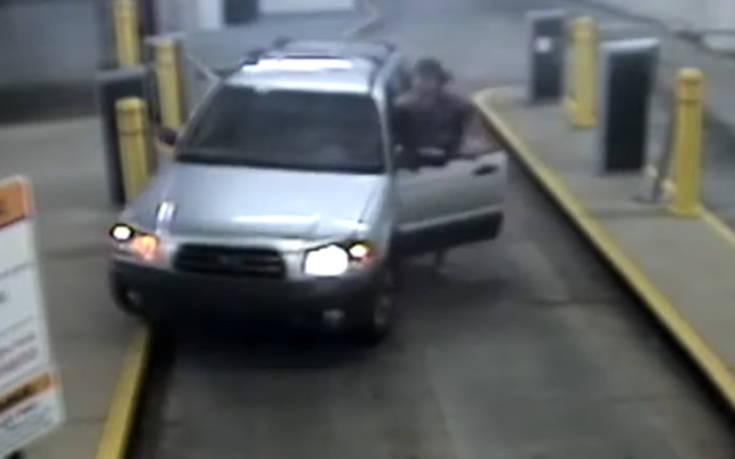 Δεν μπορούσε να βγει από το πάρκινγκ και έφερε την καταστροφή