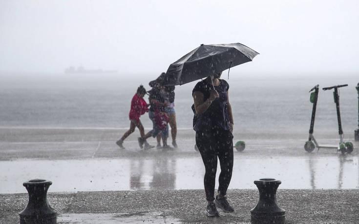 Καιρός: Πού θα χτυπήσει η κακοκαιρία με βροχές και χαλάζι