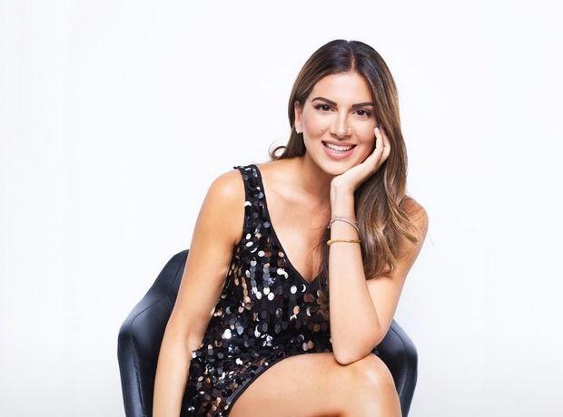 Το Zeus + Dione φόρεμα της Σταματίνας Τσιμτσιλή είναι ήδη sold out αλλά έχουμε 5 εναλλακτικές