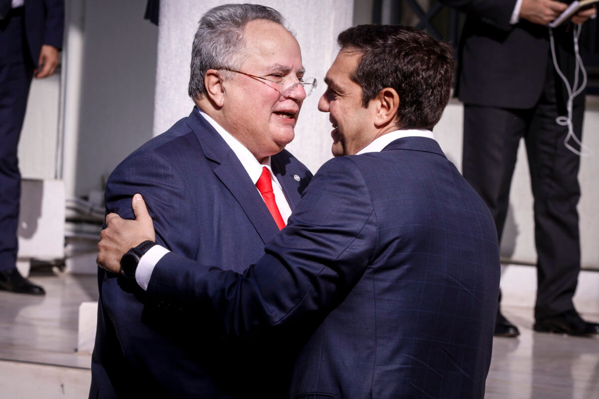 Δεν θα είναι υποψήφιος με τον ΣΥΡΙΖΑ ο Νίκος Κοτζιάς – Διαψεύδει συνεργασία με Βαρουφάκη