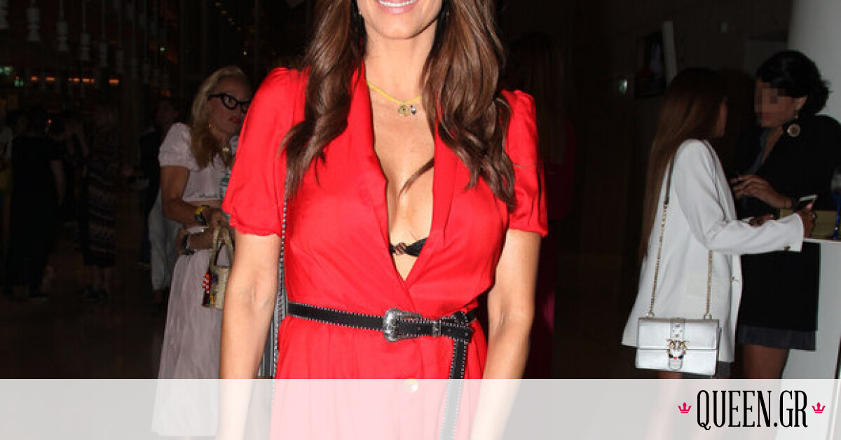 Η Έλλη Κοκκίνου φόρεσε το πιο εντυπωσιακό κόκκινο φόρεμα που έχουμε δει τελευταία