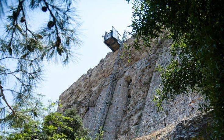 Παραιτήσεις για το αναβατόριο της Ακρόπολης ζήτησε το υπουργείο Πολιτισμού