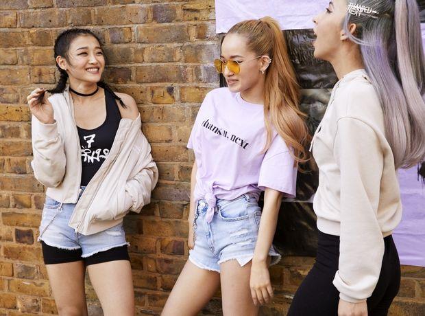 """Η Ariana Grande σχεδιάζει ρούχα και το """"thank u, next"""" παίζει ήδη στο repeat"""