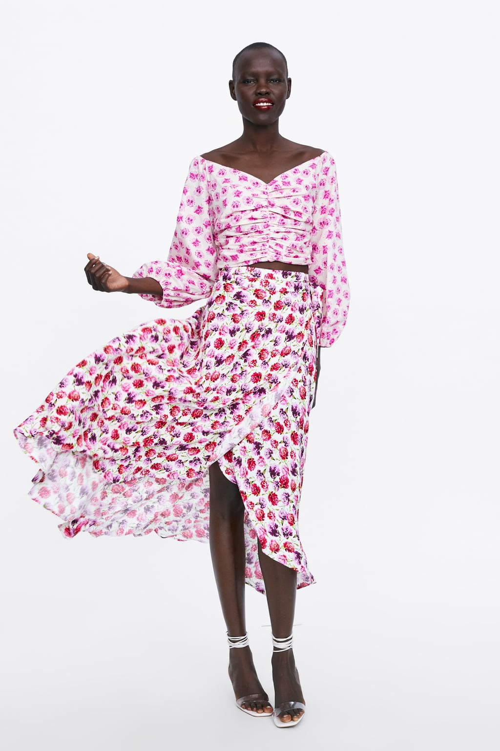 Wrap Skirts: 5 ανάλαφρα καλοκαιρινά κομμάτια και πώς να τα φορέσεις