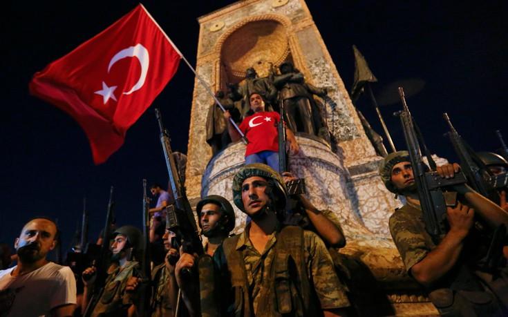 Η Τουρκία διέταξε τη σύλληψη 176 εν ενεργεία στρατιωτικών της