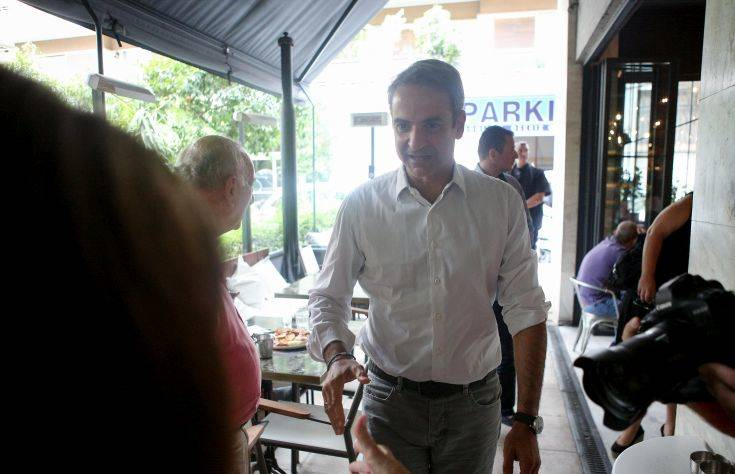 Κυριάκος Μητσοτάκης: Σε καφετέρια στο Παγκράτι με τους δημοσιογράφους