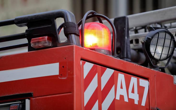 Φωτιά σε εν κινήσει αυτοκίνητο στη Θεσσαλονίκη