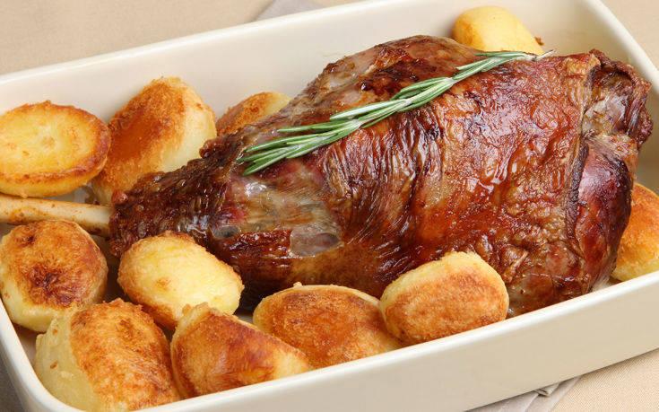 Αρνάκι στο φούρνο με πατάτες
