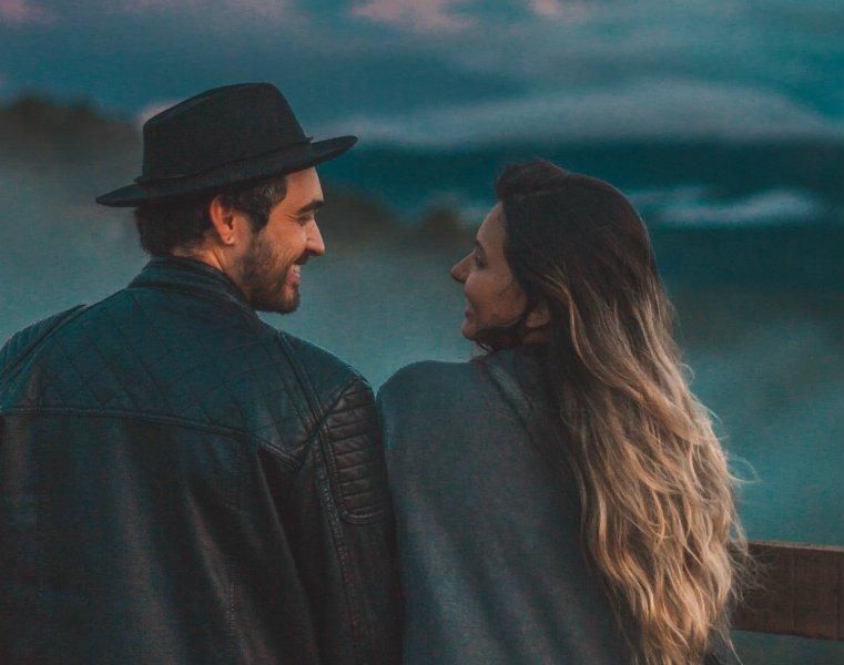 Τα σημάδια ότι είσαι εξαρτημένη από τη σχέση σου