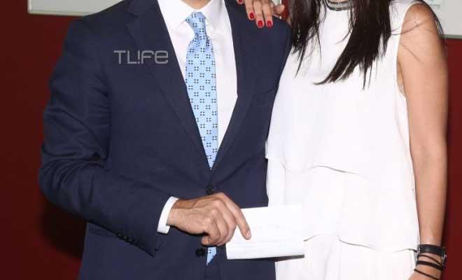 Κωνσταντίνος Μπογδάνος: Προεκλογική ομιλία λίγο πριν το γάμο με τη μέλλουσα σύζυγο στο πλευρό του [Εικόνες]