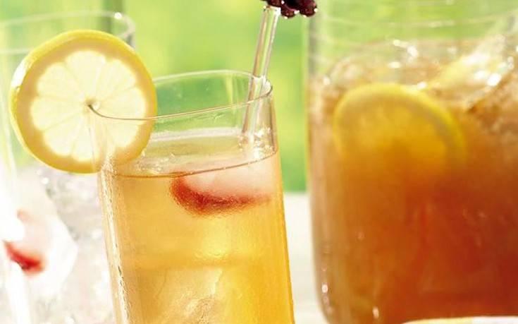 Παγωμένο τσάι με λεμόνι