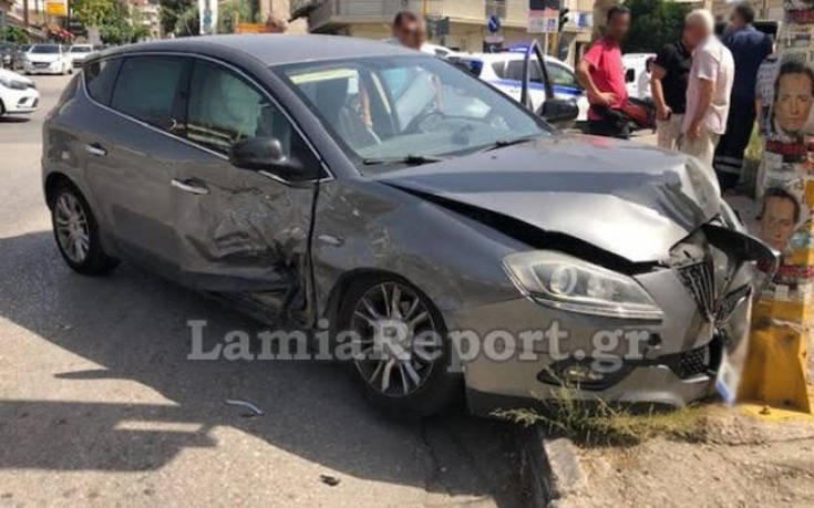 Σφοδρό ατύχημα σε διασταύρωση της Λαμίας