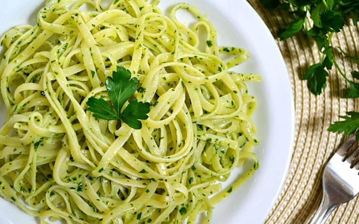 Λιγκουίνι με σκόρδο και λεμόνι