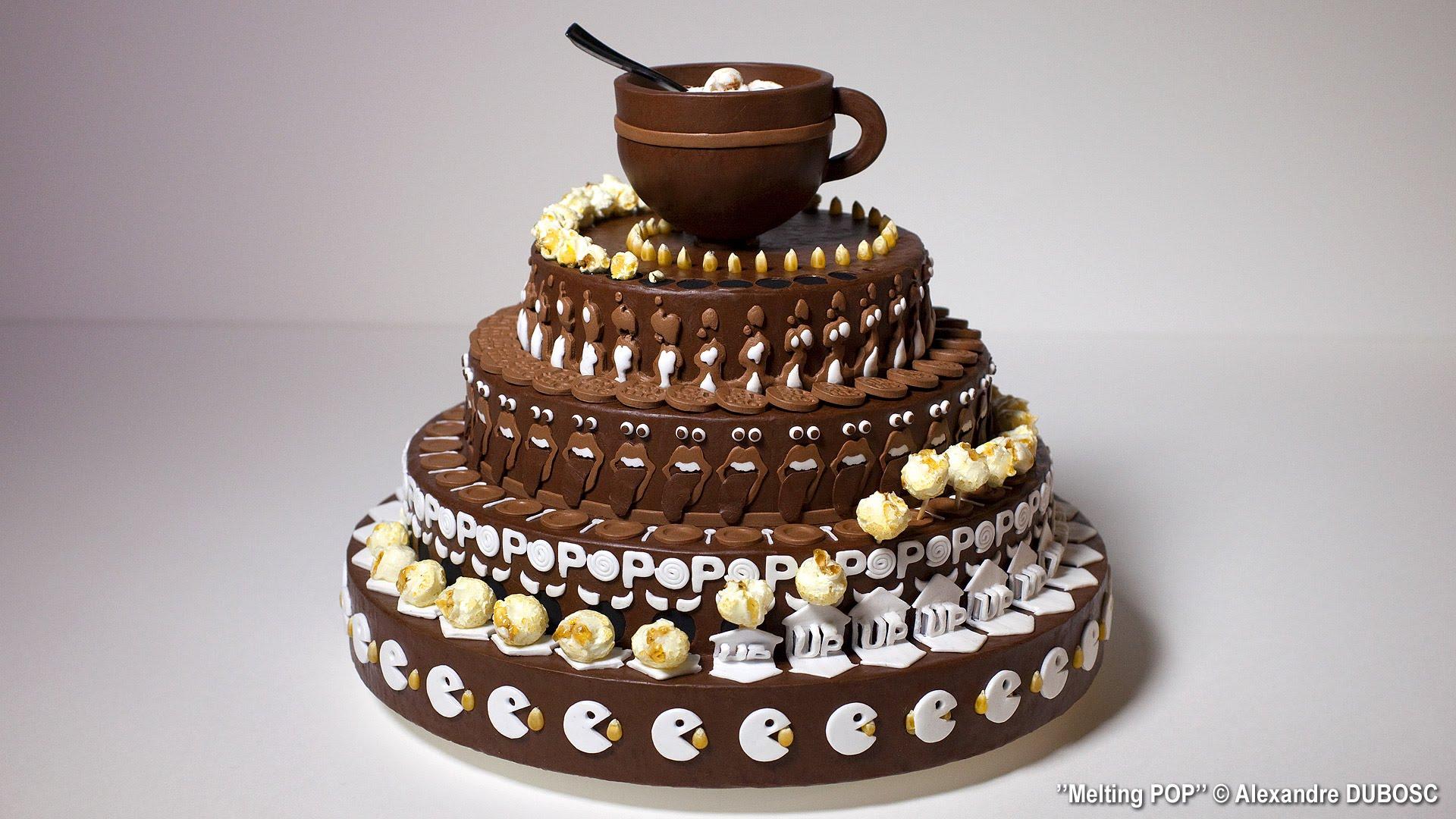 Αυτή η τούρτα είναι διαφορετική από τις άλλες. Τι είναι αυτό που την ξεχωρίζει; Κινείται!