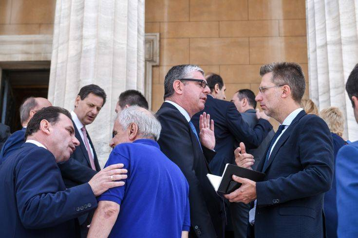 Υπουργοί έψαχναν να βρουν τον υφυπουργό τους για να γνωριστούν καλύτερα!