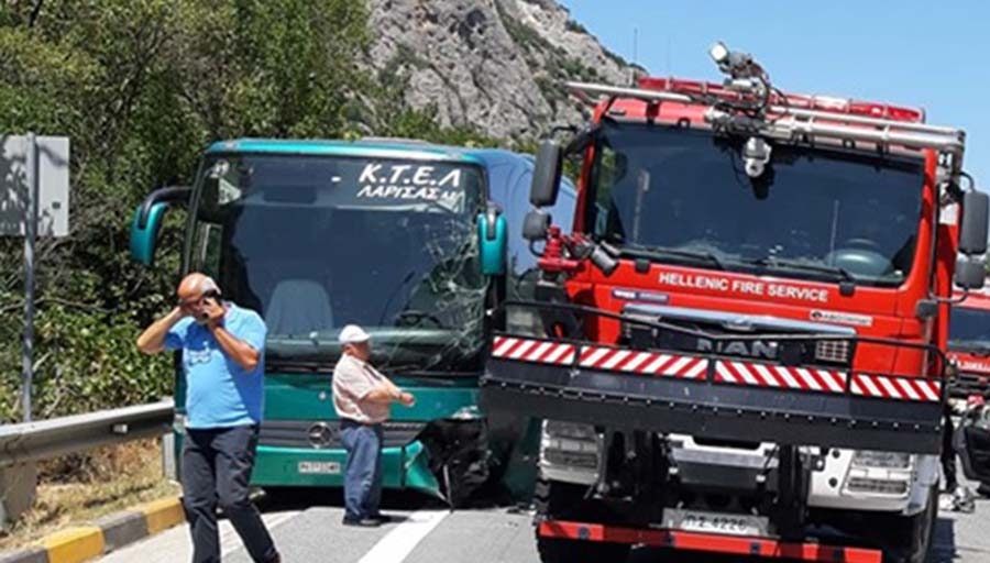 Σοβαρό τροχαίο με τραυματίες στα Τέμπη