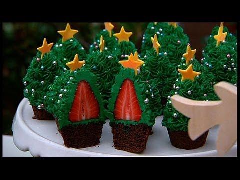 Μάθετε πώς να φτιάξετε χριστουγεννιάτικο δεντράκια με κεκάκια!