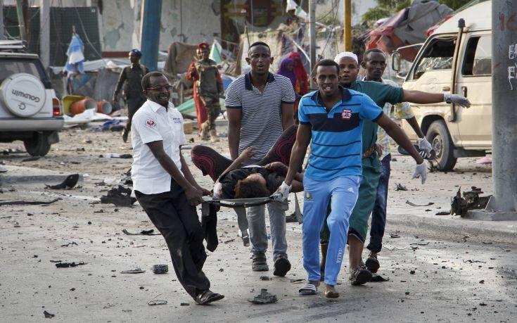 Τουλάχιστον 12 οι νεκροί από την επίθεση της Σεμπάμπ σε ξενοδοχείο στη Σομαλία