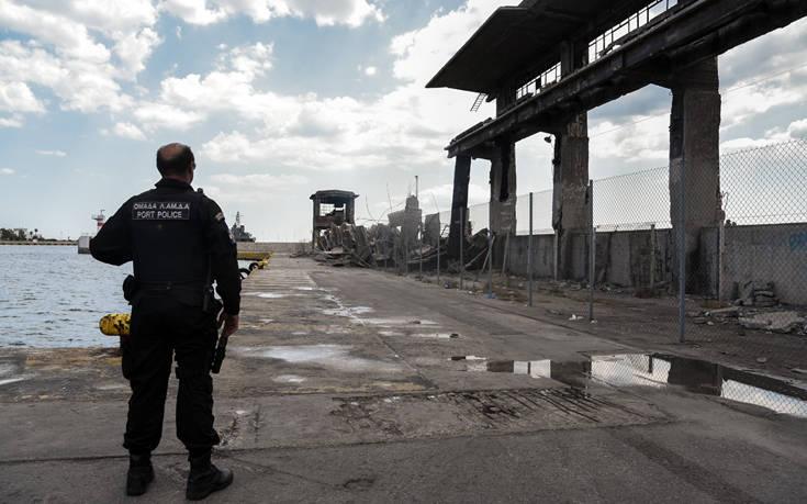 Ισχυρός σεισμός στην Αττική: Εντολή Πλακιωτάκη να ασφαλιστεί η περιοχή στην πύλη Ε1 του λιμανιού