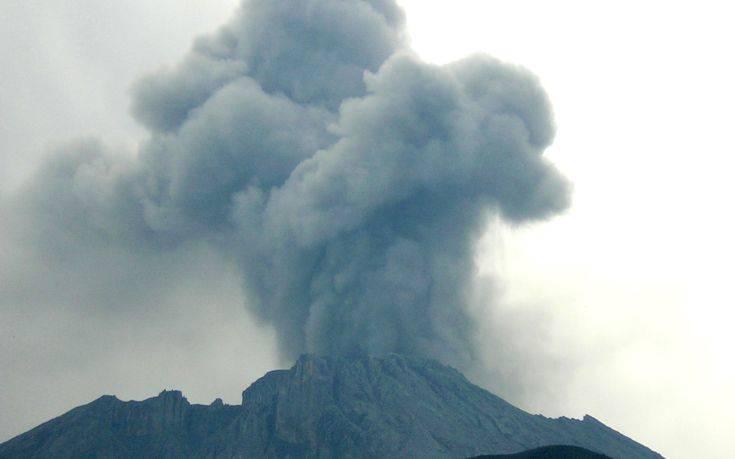«Ξύπνησε» το ηφαίστειο Ουμπίνας στο Περού