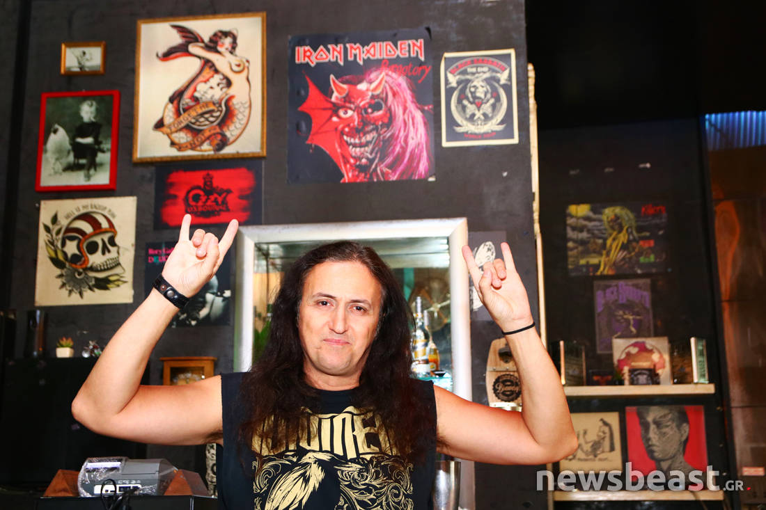 Ο πρώην παπαροκάς, Γιάννης Παπανικολάου, πλέον ηγείται της heavy metal μπάντας Diviner