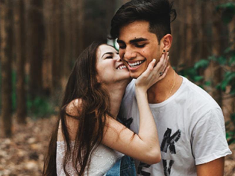Πρέπει να λέμε ψέματα για το «καλό» της σχέσης μας;