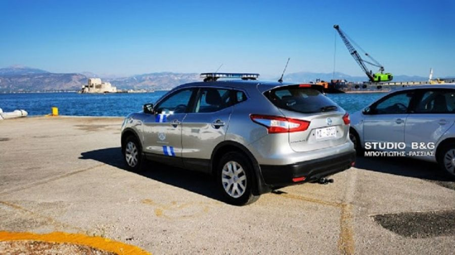 Ναύπλιο: Αυτοκίνητο έπεσε στο λιμάνι – Σώος ο οδηγός