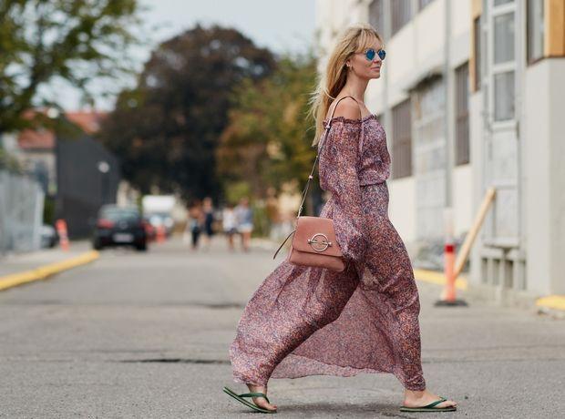 Οδηγός αγοράς: Τα 5 αξεσουάρ που χρειάζεσαι για να φορέσεις το καλοκαιρινό σου φόρεμα και το βράδυ