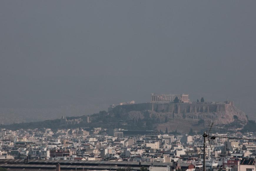 Καλύτερη η κατάσταση στην Αττική από τον καπνό της πυρκαγιάς στην Εύβοια