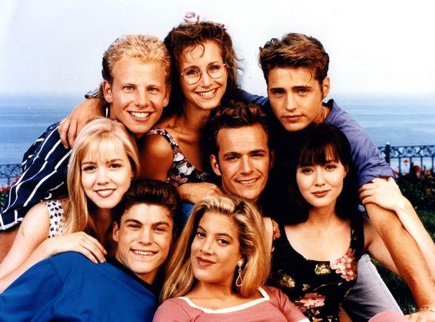 Οι editors του Ladylike απαντούν: »Πώς επηρέασε το στιλ μας το Beverly Hills 90210»;