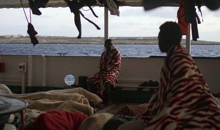 Μεταναστευτικό στη Μεσόγειο: Από ήρωες… συνεργοί οι ΜΚΟ