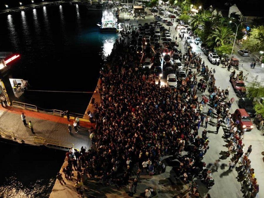 Σαμοθράκη: Μέσα σε 24 ώρες έφυγαν από το νησί 1.500 εγκλωβισμένοι