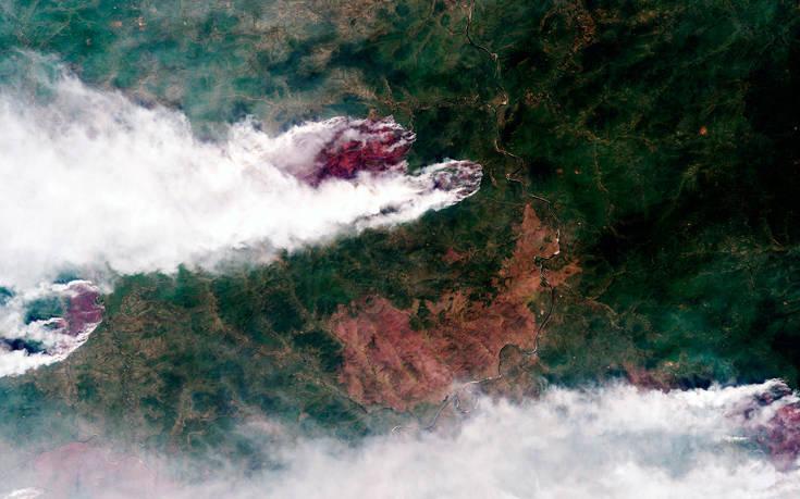Τουλάχιστον 20 πτήσεις ημερησίως από ρωσικά αεροσκάφη για τις φωτιές στη Σιβηρία