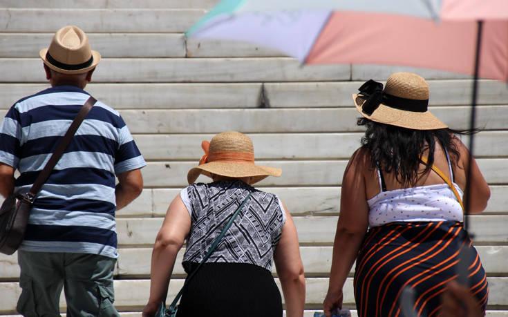Καιρός: Ο Δήμος Αθηναίων θα διαθέσει 8 κλιματιζόμενες αίθουσες για τον καύσωνα