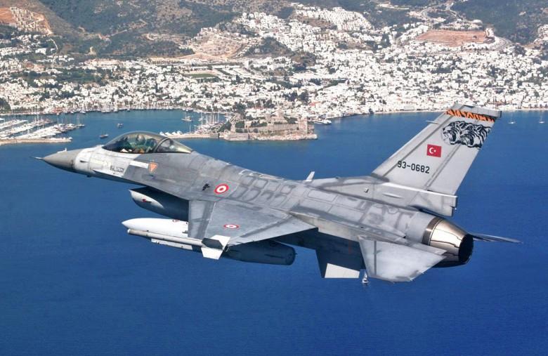 Τουρκικά F-16 πέταξαν πάνω από Παναγιά και Οινούσσες