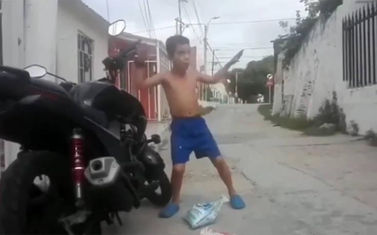 Όταν έχεις τον ρυθμό μέσα σου χορεύεις και με τον συναγερμό