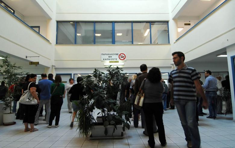 Οι Έλληνες δουλεύουν 180 ημέρες τον χρόνο για να πληρώνουν φόρους και εισφορές