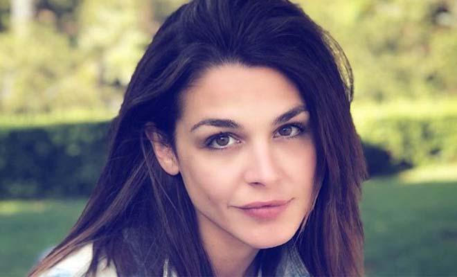 Ιωάννα Τριανταφυλλίδου: Ποζάρει με μπικίνι στην παραλία και εντυπωσιάζει τους πάντες