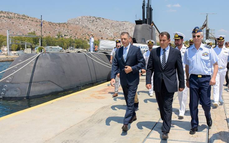 Επίσκεψη του υπουργού Εθνικής Άμυνας στο Αρχηγείο Στόλου
